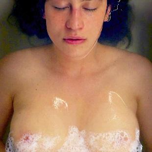 "Ilana Glazer Makes Her Nude Debut In ""False Positive"""