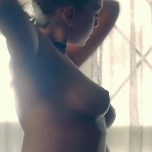"""Carolina Miranda Nude Scene From """"Who Killed Sara?"""""""