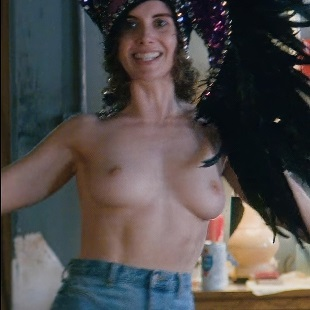 """Alison Brie New Topless Nude Scene From """"Glow"""""""