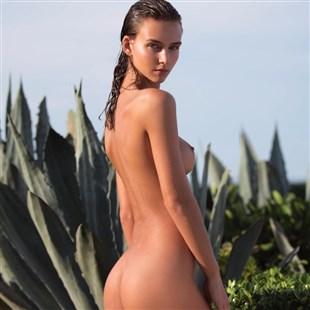 Rachel Cook Nude Behind-The-Scenes Video