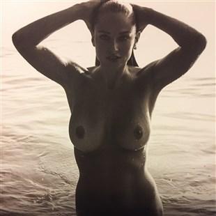 Genevieve Morton Nude 2017 Calendar Photos