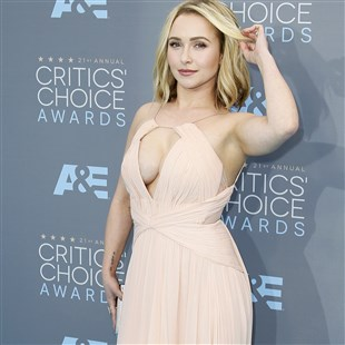 Hayden Panettiere Breaks Out Her Big Boobs For The Critics' Choice Awards