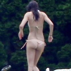 Kendall Jenner Shows Off Her Teen Ass In A Bikini
