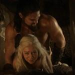 Emilia Clarke Nude & Sex Scenes From 'Game Of Thrones'
