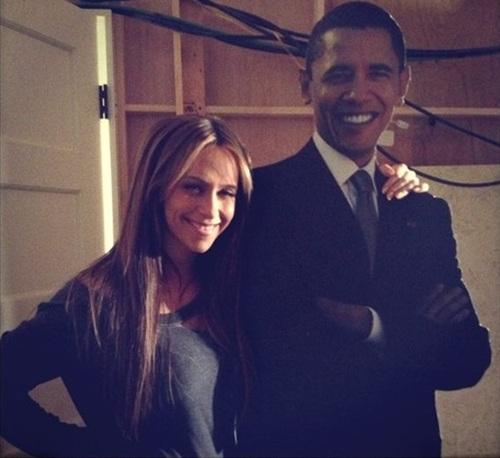 Obama Is Having An Affair With Jennifer Love Hewitt
