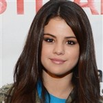 Selena Gomez Was Cheating On Justin With General Petraeus