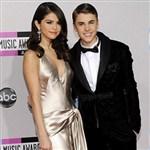 Selena Gomez Is Dating Hilary Swank