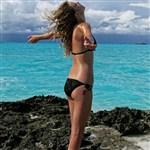 Taylor Swift Sets A Bad Example In A Bikini