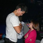 Taylor Lautner Gets Into A Fight With A Small Girl