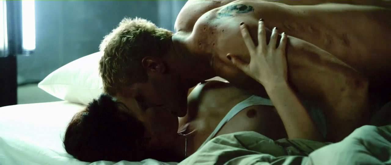 Katia Winter Sex Scene from 'Arena'
