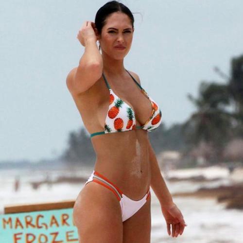 Model Hope Beel Bikini Figure in Mexico !