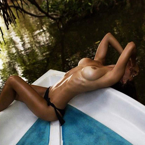 Russian Model Viki Odintcova Nude & Private Photos !