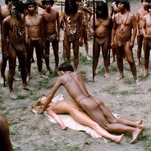 Monica Zanchi & Laura Gemser Nude Sex Scene from 'Emanuelle and the Last Cannibals'