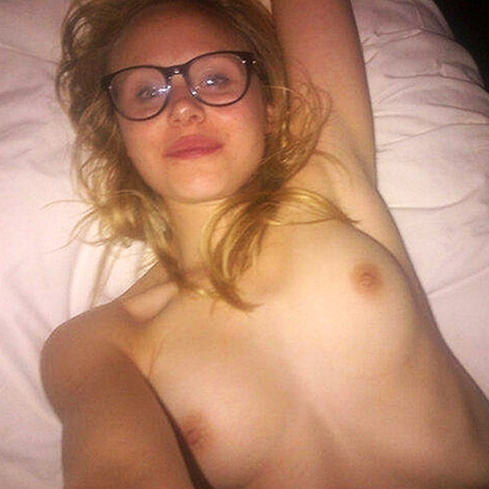 Actress Alison Pill Nude Pics & Private Pregnant Selfies