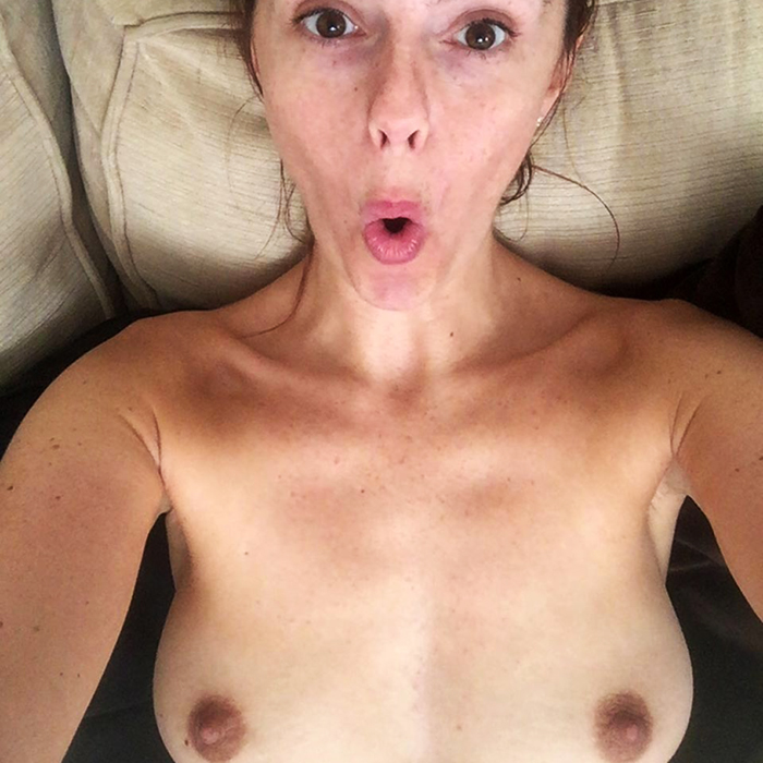 Jennifer Metcalfe Nude & Topless Private Pics With Her Husband Greg Lake
