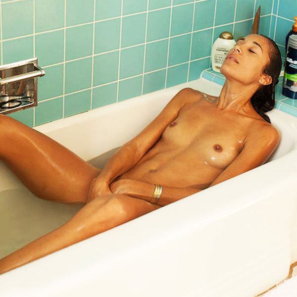 Actress Angelina McCoy Private HD Nudes In The Bathtub