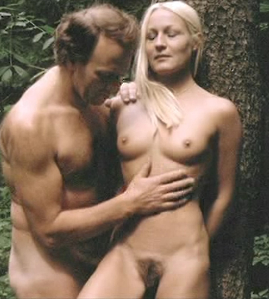 Daniele Troeger Nude Sex Scene In Six Swedes On A Campus Movie