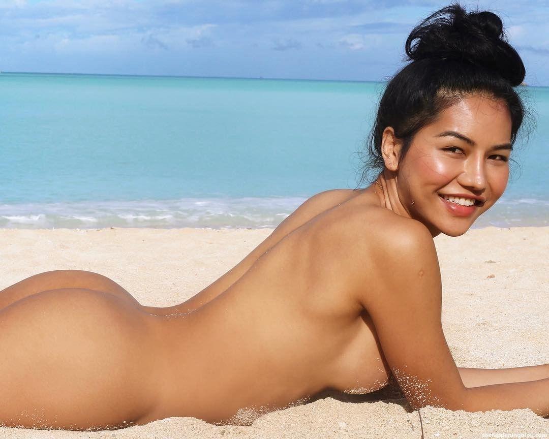 Martini Artnugan Naked & Sexy Photos