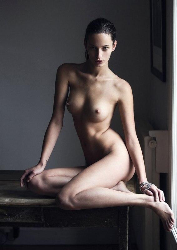 Loris Kraemerh nude