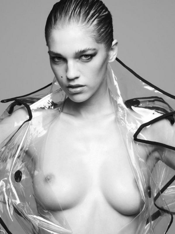 Samantha Gradoville topless