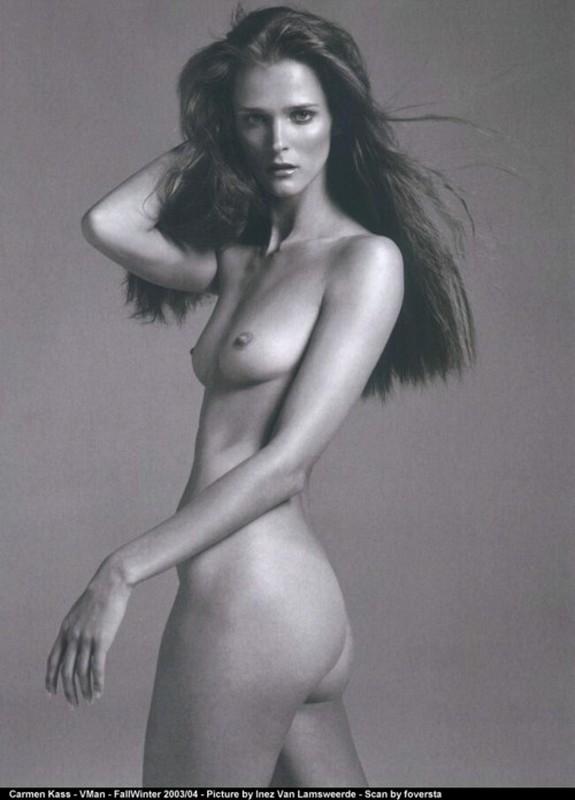 Carmen Kass nude
