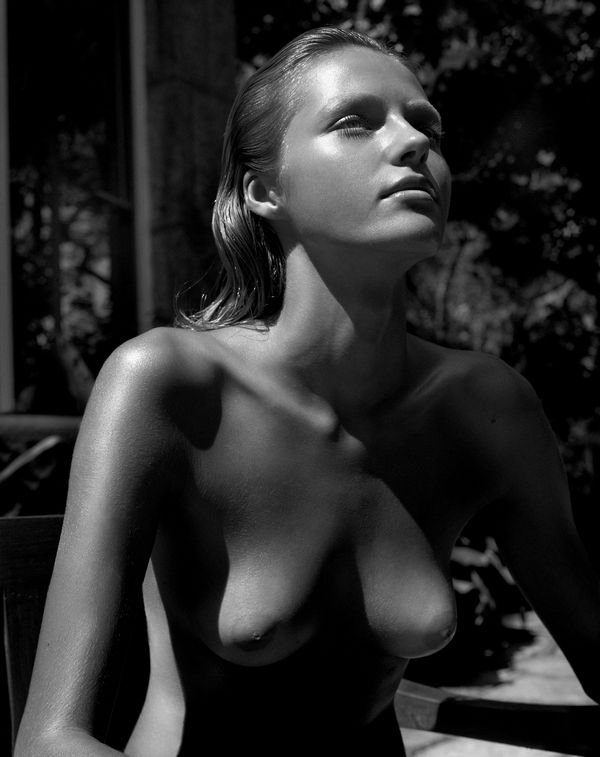 Valentina Zeliaeva boobs