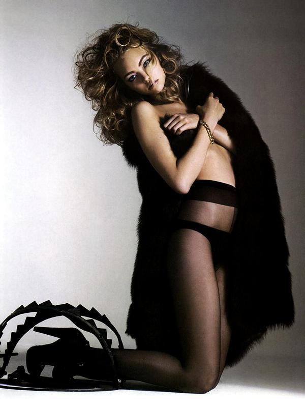 Gemma Ward topless