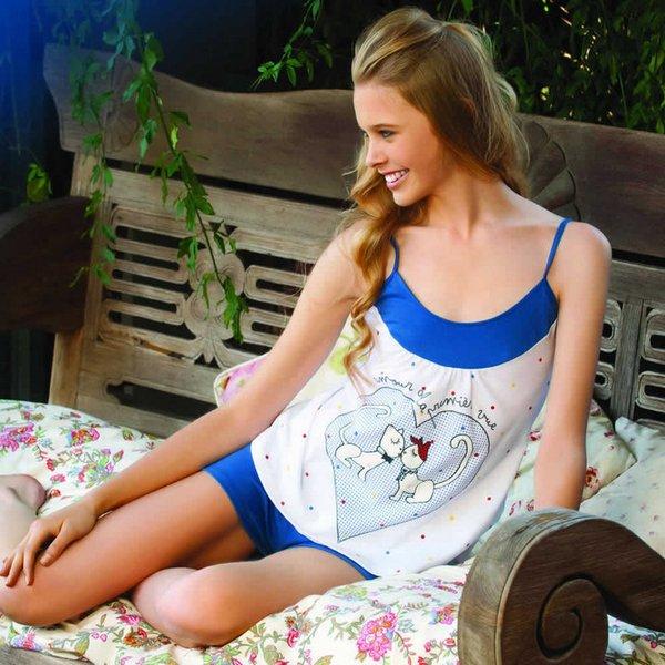Sofia Krawczyk in pyjamas