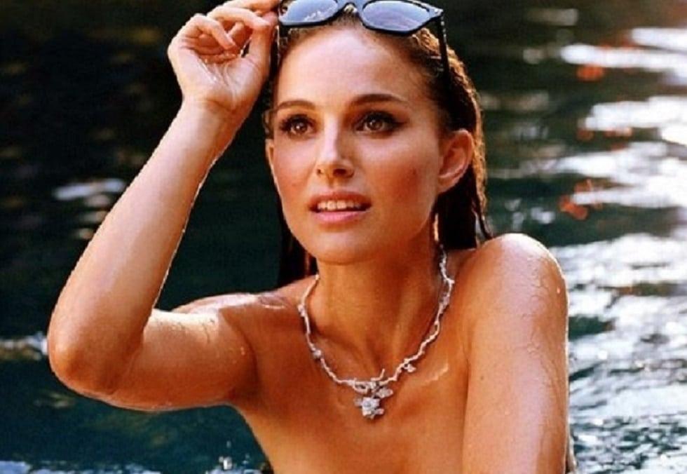 Natalie Portman Undressed & Looking Very Sexy